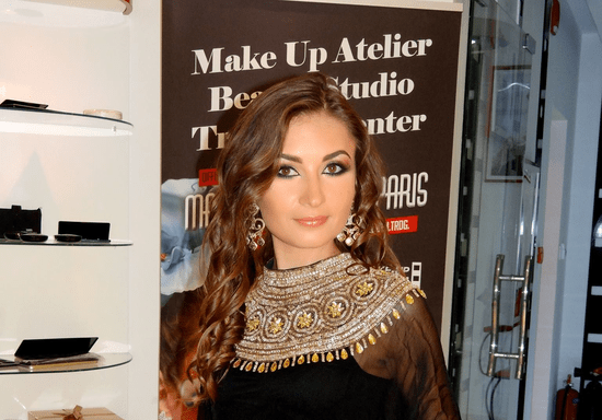 Become Your Own Make-Up Artist