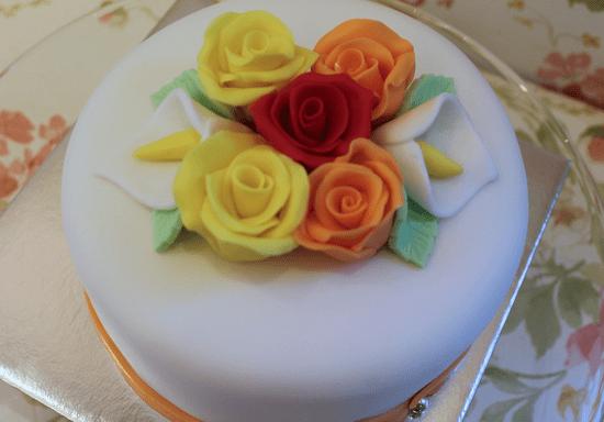 Red Velvet Cake & Fondant Art