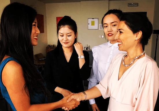 Bridging Cultural Gaps in Multicultural Workplaces