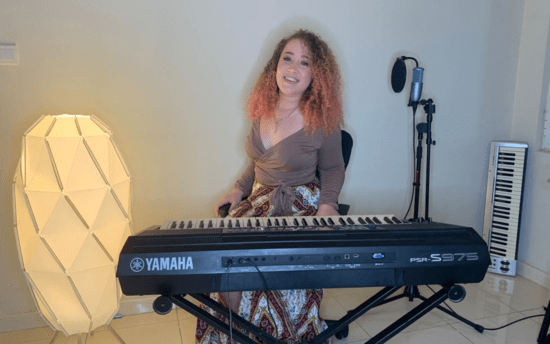 Online Class: 1-on-1 Piano Lessons with Gretel