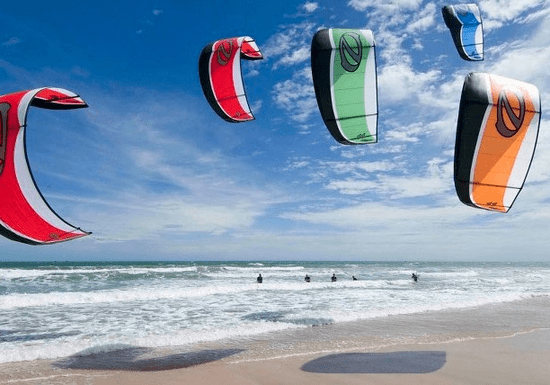 Complete Beginners Guide to Kitesurfing
