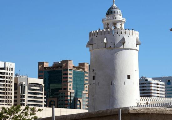 Discover Abu Dhabi History: Qasr Al Hosn & Cultural Foundation Tour