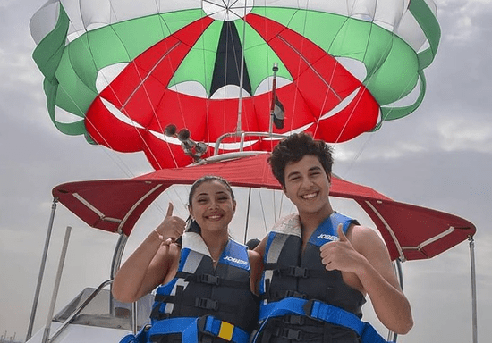Fly with Parasailing