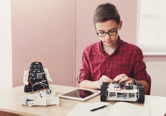 Online Class: Robotics for Kids - Ages: 8-14