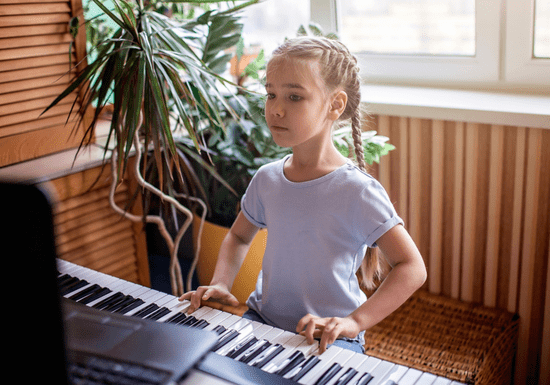 Online Class: Learn Piano & Keyboard with Maby for Kids - Ages: 5-17