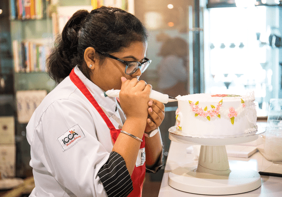 Royal Icing & Piping: Become an Accomplished Cake Decorator