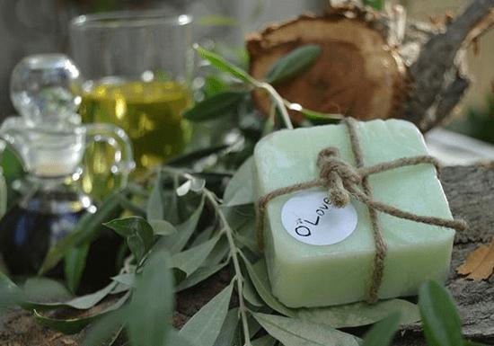 DIY Natural Soap Molding